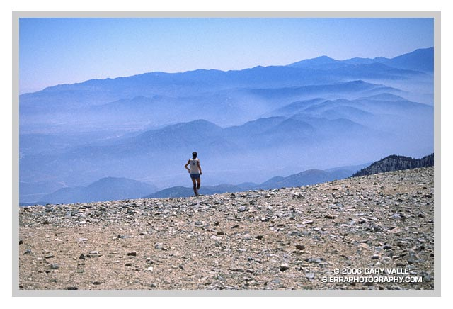 TRAIL RUNNING, Mt. Baldy, Leaving the Summit