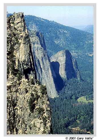 YOSEMITE, Sentinel Rock, Middle and Lower Cathedral Rocks